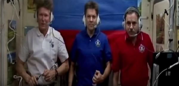 Космонавты на орбите