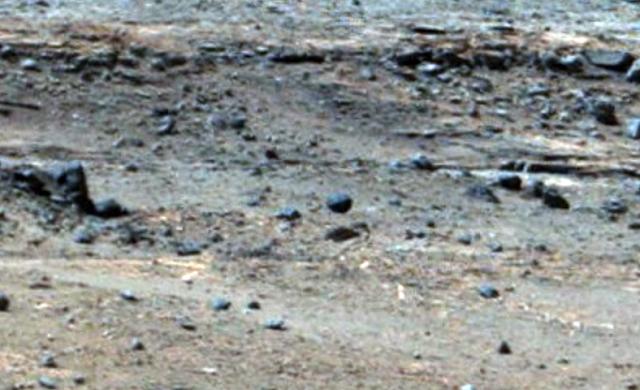Летающий шар над Марсом