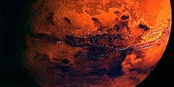 Марс с близкого расстояния
