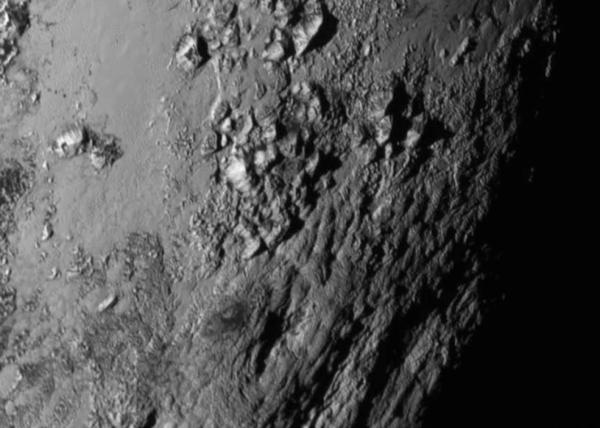 Молодые горы на Плутоне