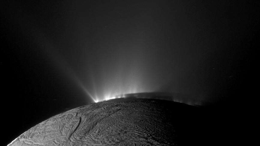 Энцелад съемка с Кассини