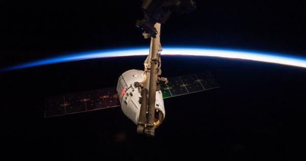 Возвращение космического корабля с МКС