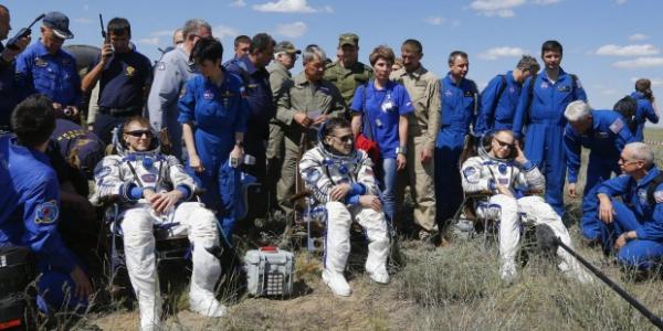 Возвращение экипажа МКС