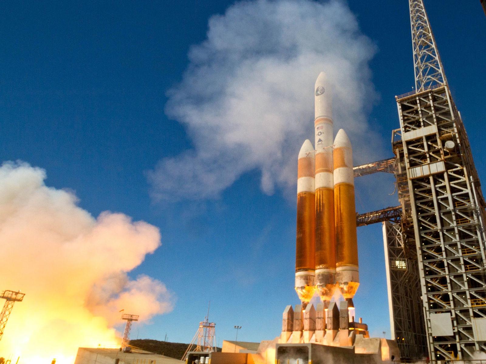 ВСША запустили вкосмос ракету с 2-мя спутниками-разведчиками