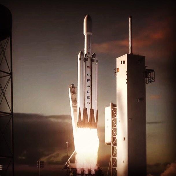 Илон Маск сообщил миру о дебютном ноябрьском запуске первого грузовика Falcon
