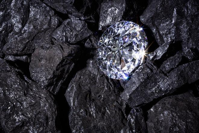 Зачем искать что-то в космосе, когда на Земле квадриллионы бриллиантов?!