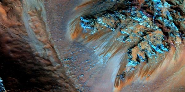 Что стоит знать всем, особенно будущим астронавтам о воде на Марсе?