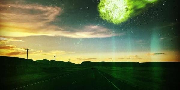 Небо Флориды осветил ярко зеленый шар