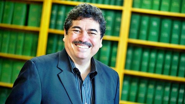 Физик Рамон Лопез изучает космические штормы