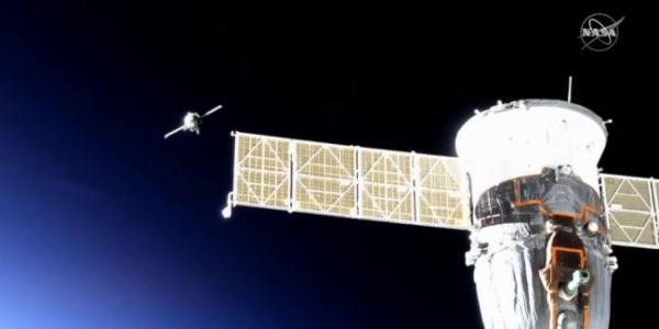 Беспилотная капсула Союза с гуманоидом Федором, наконец, пристыковалась к МКС