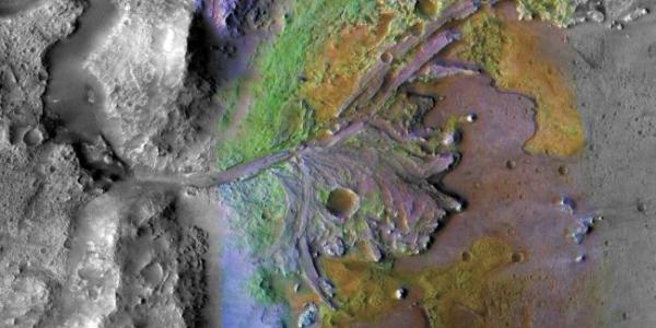 На древнем Марсе могла быть жизнь в воде