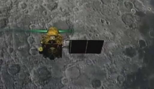 Индия теряет связь с космическим кораблем, пытающимся приземлиться на Луну