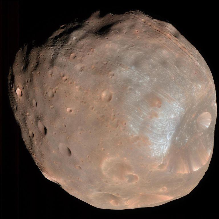 Миссия японского агентства по возвращению образцов исследует происхождение любопытных лун Марса