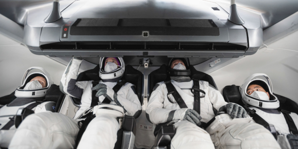 Четыре смельчака отправятся в космос в капсуле SpaceX Dragon
