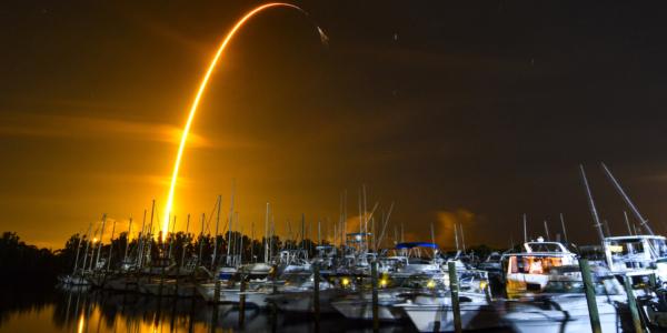 Что SpaceX запустила на Космическую станцию? - Муравьев, авокадо и робота!