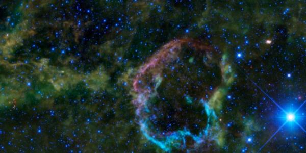 Тайна сверхионизированной рекомбинирующей плазмы в остатке сверхновой IC 443