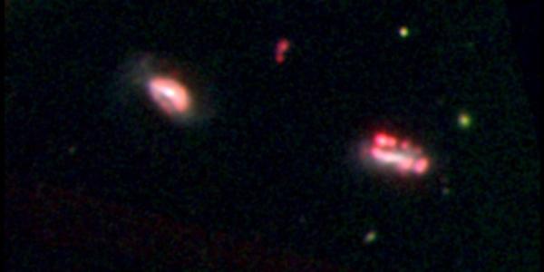 Карликовые галактики в области крошечных кластеров