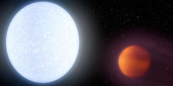 Была найдена самая горячая планета-лихач