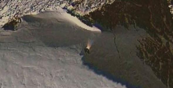 Нечто приземлилось в Антарктике! (видео)