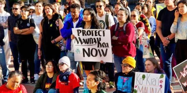 Жители Гавайев протестуют против открытия обсерватории на священной горе