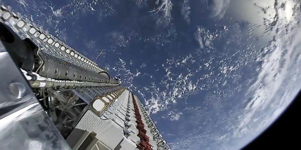 Почему астрономы беспокоятся о яркости спутниковой мегастелляции SpaceX Starlink?