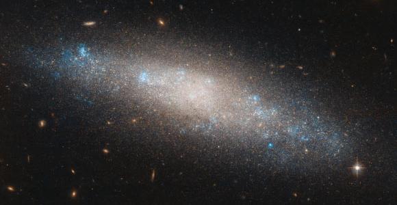 Хаббл демонстрирует потрясающий крупный план NGC 4455