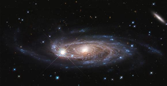 Ученые с помощью телескопа Хаббл обнаружили галактику - вероятно, самую большую из известных