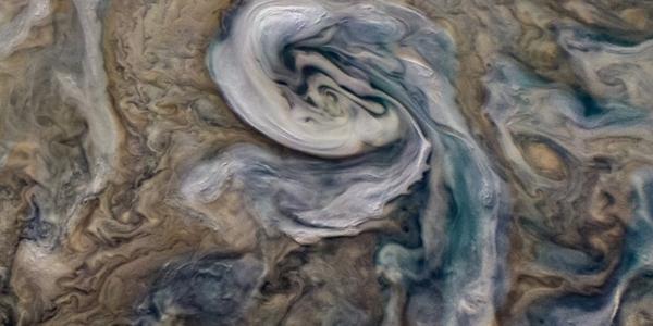 Данные с Juno: сильный аммиачный град накрывает Юпитер