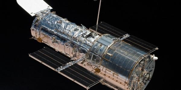 Легендарный телескоп на безопасном режиме: Хаббл пережил программный сбой