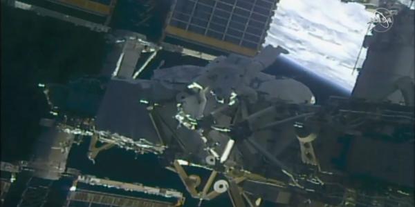Семь часов в открытом космосе и серьезное обновление мощности МКС