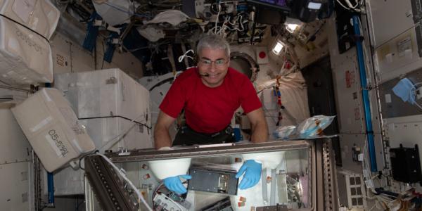 Побит рекорд пребывания в космосе! Или 353 дня на МКС